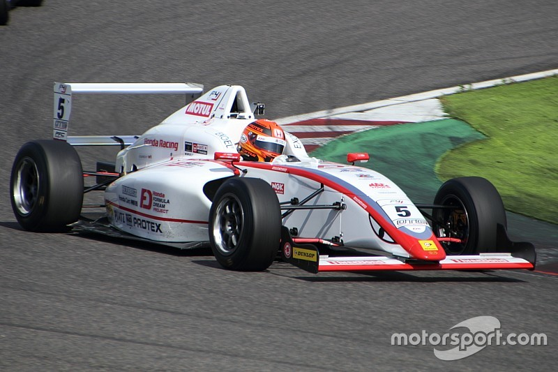 FIA-F4第5戦鈴鹿:角田裕毅が4戦連続でポール・トゥ・ウィン