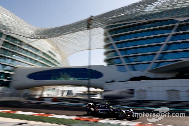Maini tops second F2 test day despite penalty