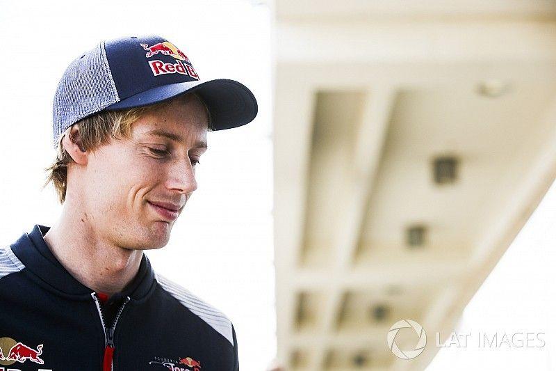 "Hartley ""100 percent deserves"" Toro Rosso shot - Ricciardo"