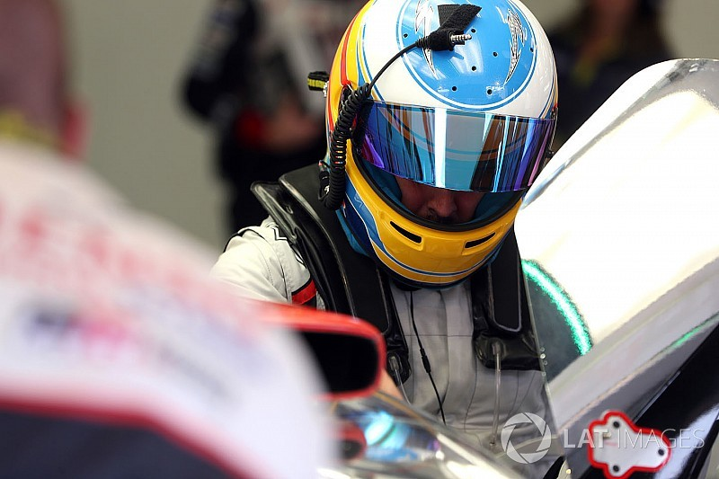 Alonso prueba por primera vez el Toyota LMP1 2018
