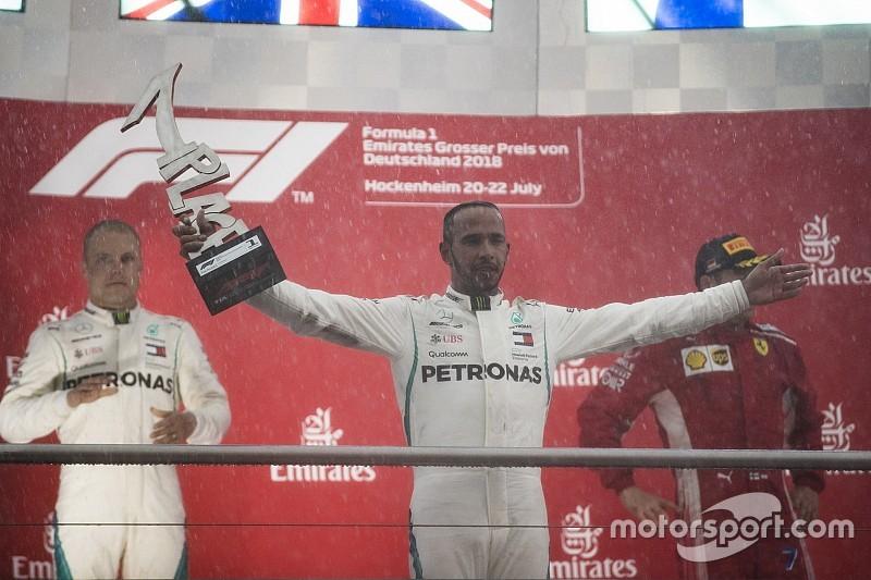 Villeneuve: Hamilton úgy tesz, mintha ő lenne Jézus