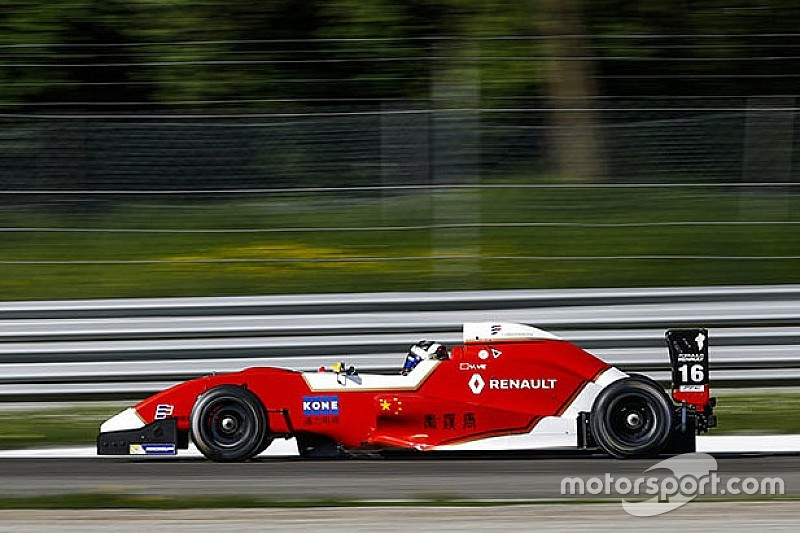 Yifei Ye è imprendibile e vince Gara 1 a Monza. Podio per Colombo