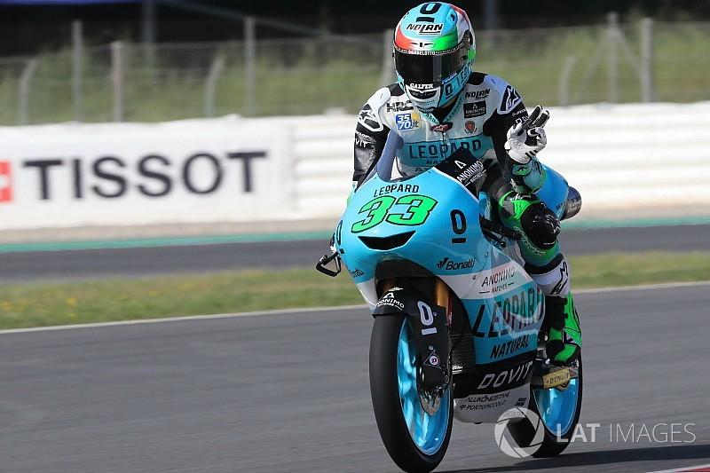 Moto3 Barcelona: Bastianini schrijft zege bij in crashfest