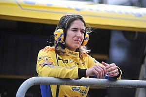 Stock: Grávida, Bia não corre até fim do ano; piloto guiaria Toyota