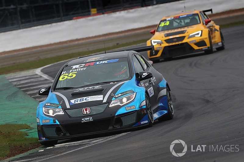 UK: Fuller torna sulla Honda a Brands Hatch
