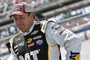 Ryan Newman tops Chase Elliott in final Darlington practice