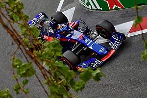 "A Red Bull ""kiakadt"" Hartley-ra"