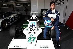 Ricciardo prova la Williams FW07 di Jones e ritrova il sorriso dopo Monaco