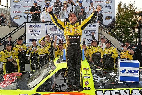 Crafton holds off Suarez for first Dover win