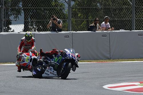Iannone should have gotten a race ban, says Lorenzo