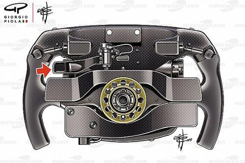 """Igazi rejtély, hogy mire való Vettel titkos harmadik """"karja"""""""