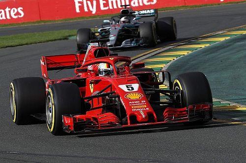 Vettel wint seizoensopener dankzij VSC, lastige race Verstappen