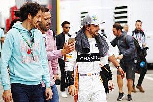 Alonso undang penggemar cilik ke paddock F1