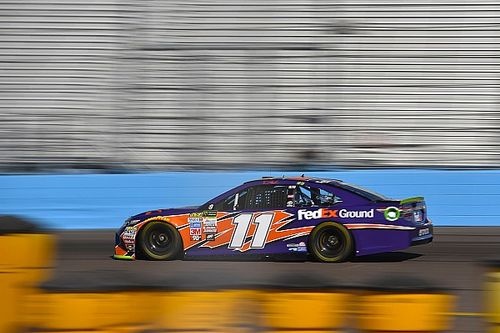 Hamlin wins Stage 2 at Phoenix, Johnson and Larson find trouble