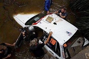 Bizarr baleset, vízbe esett egy autó az Ausztrál ralin