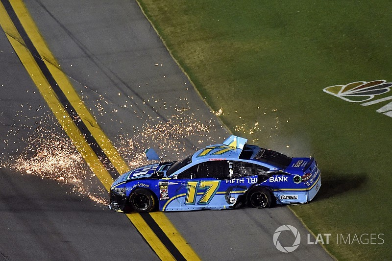 NASCAR Roundtable: Stenhouse's Daytona drama and the yellow line rule