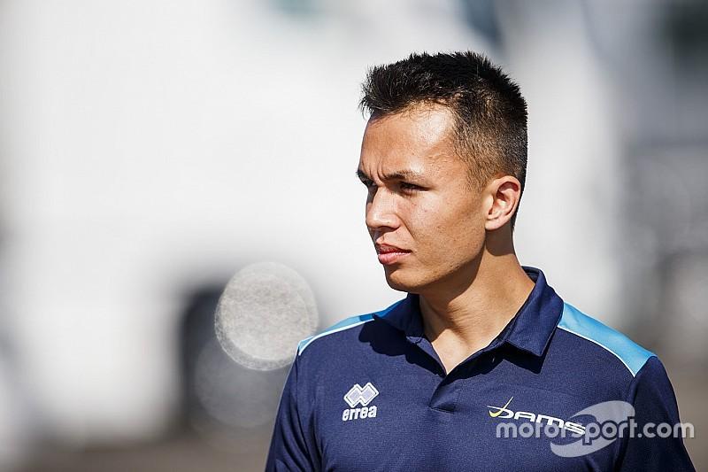 Toro Rosso confirma Albon para temporada de 2019