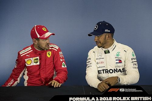 WK-stand: Vettel loopt uit, Verstappen zakt naar P6