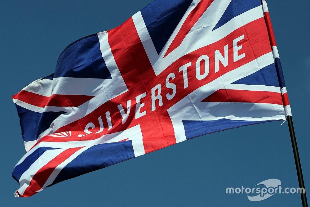 Где и когда смотреть Гран При в честь 70-летия Формулы 1. Расписание трансляций