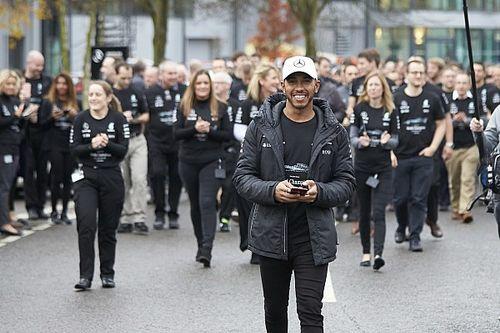 Galería: Hamilton celebra su cuarto título en las fábricas de Mercedes