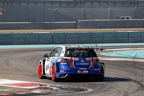 Veglia penalizzato, Engstler eredita la vittoria di Gara 2 ad Abu Dhabi