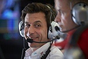 Mercedes mete a McLaren en el top 4 para la F1 2018