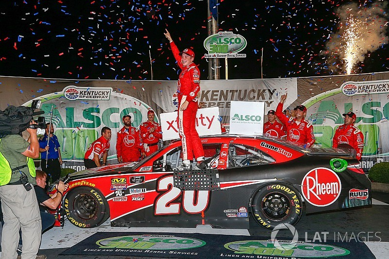 Christopher Bell fends off Hemric for Xfinity Series win at Kentucky