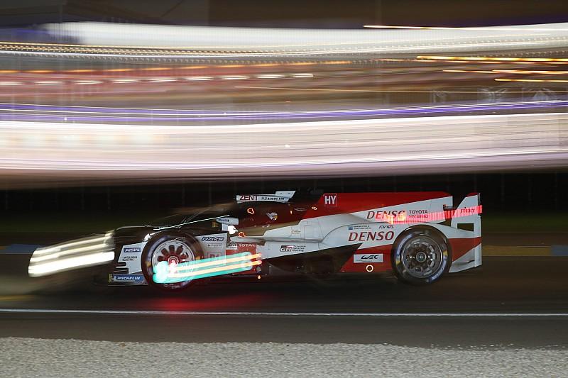 Le Mans 24 Saat - 20. Saat: #8 Toyota ve Alonso'nun liderliği sürüyor, Paul di Resta kaza yaptı