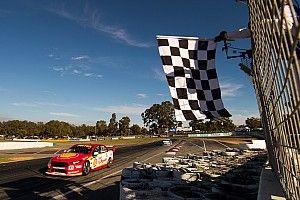 Маклафлин выиграл гонку Supercars с 19-го места