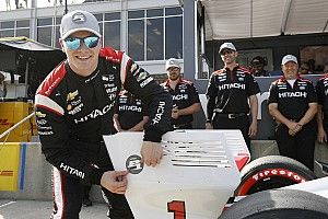 Newgarden vence a Power por la pole en Alabama