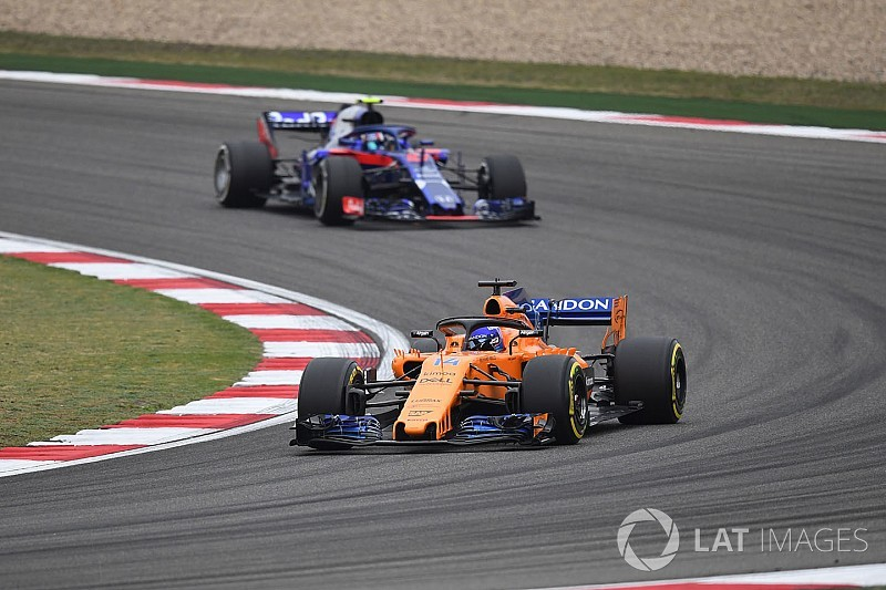 "Alonso ""doesn't care"" about F1 form of Honda, Ferrari"