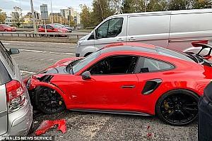 2 kilométert sem ment vele, összetört egy vadiúj Porsche 911 GT2 RS-t Walesben