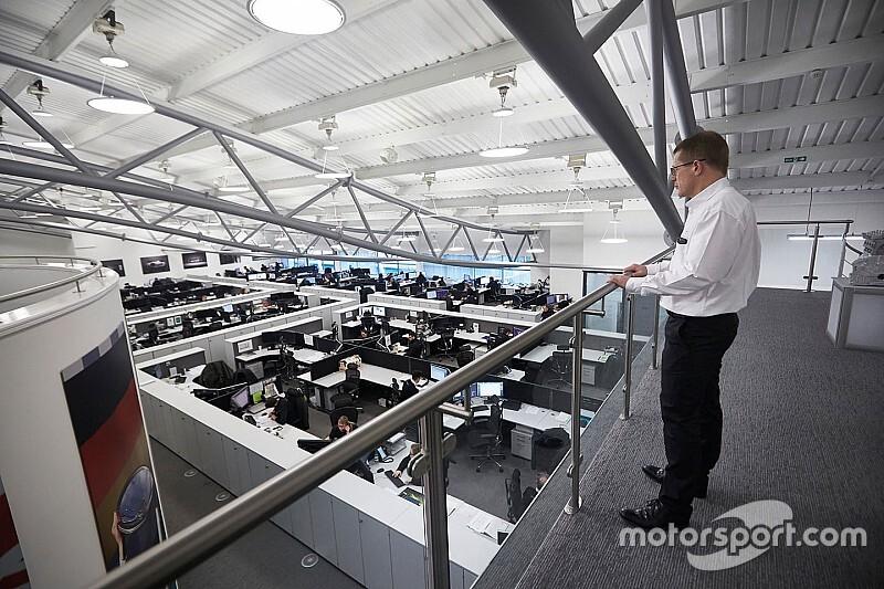 """Cowell: """"Deliberati i motori Mercedes per l'Australia"""""""