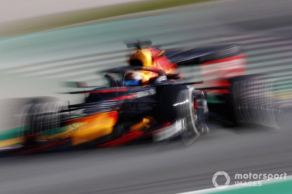 Albon nemcsak a Ferrarival és a Mercedesszel akar küzdeni, Verstappennel is