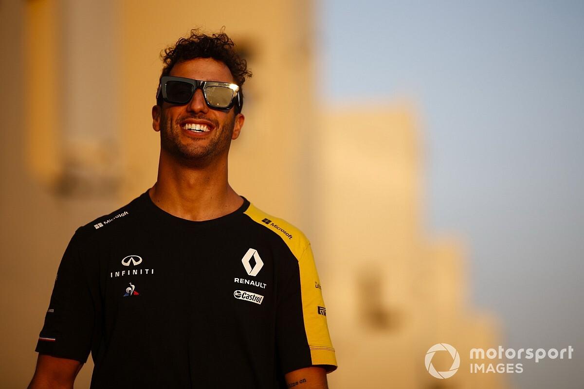 Ricciardo több időt tölt a télen a gyárban