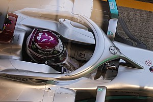 Un truco de Mercedes con el volante levanta sospechas