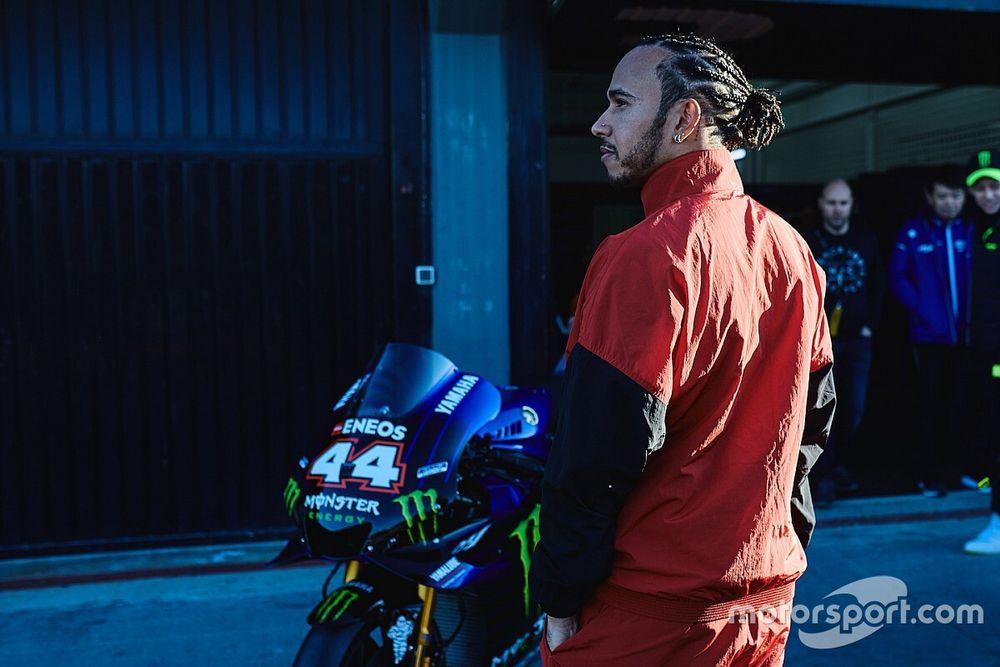Yamaha debió frenar a Hamilton en el intercambio con Rossi