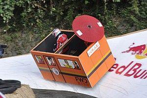 """佐藤琢磨、ボックスカートで圧巻の""""バンク走行""""披露:Red Bull Box Cart Race"""