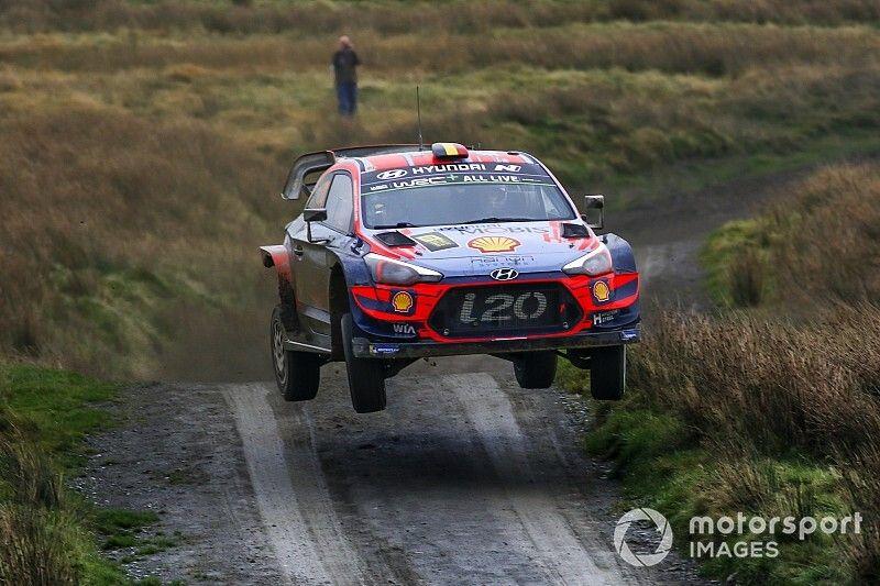 WRC, Rally Galles, PS21: Neuville ci prova, ma Tanak controlla