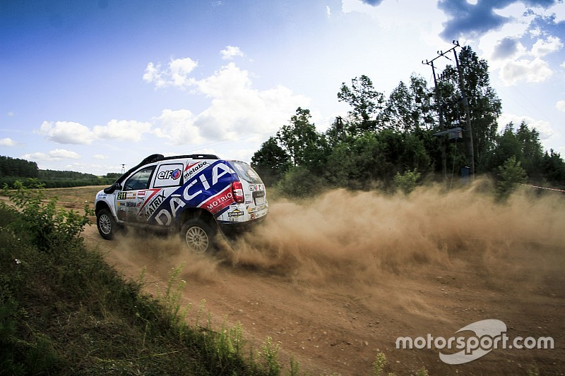 Zacięta rywalizacja w Dacia Duster Elf Cup