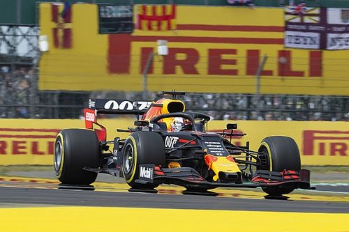 Ферстаппен неправильно жал на газ. Red Bull выяснила причину проблем Макса в Сильверстоуне