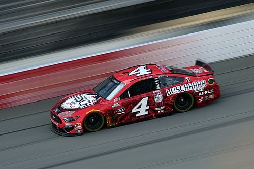 NASCAR: Harvick domina, segura Keselowski no final e triunfa em Michigan