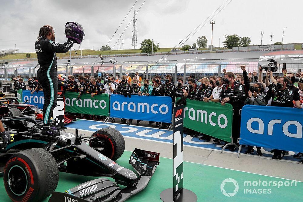 Mercedes: fa gara a sé, eppure ha meno punti del 2019