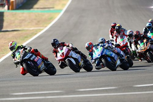 Aegerter dominates second Jerez MotoE round, drama for Granado