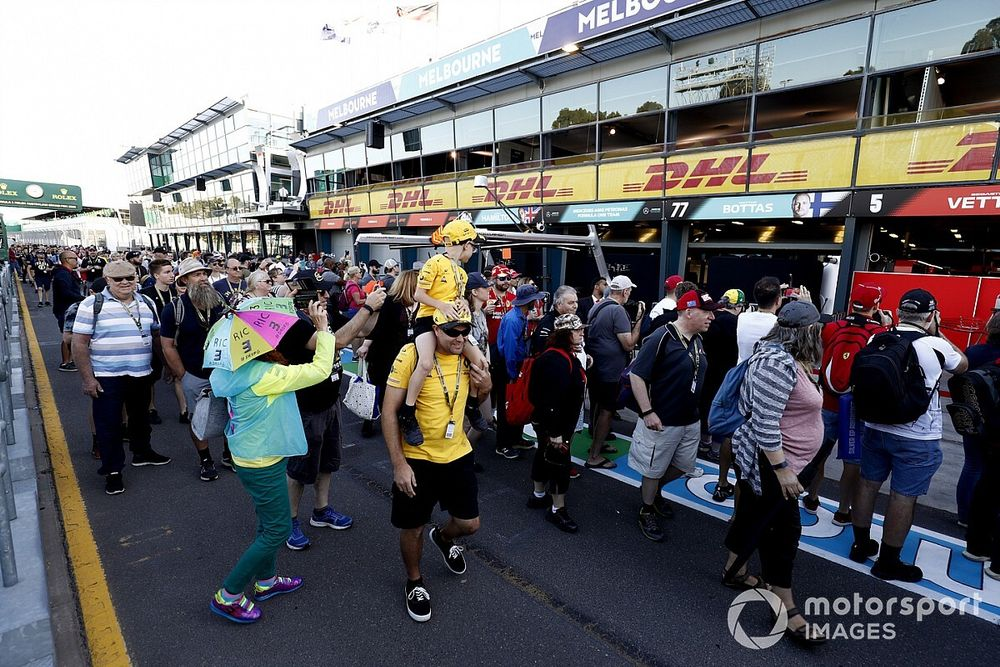 Formula 1 won't rush allowing fans back to races