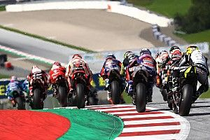 """Rossi: """"Yaşanan kaza, MotoGP sürücülerinin aşırı agresif olduğunu gösterdi"""""""