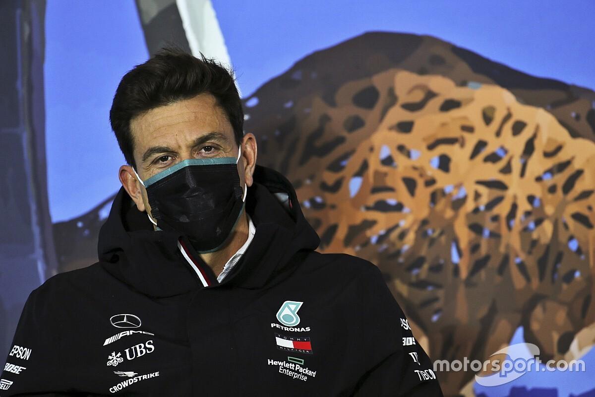 A Mercedes szerint csak fokozatosan van értelme csökkenteni a versenyzői fizetéseket