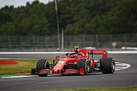 """Leclerc: Ferrari dans une """"bizarre"""" situation avec les pneus"""