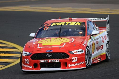 Sydney Supercars: McLaughlin holds on in Sydney thriller