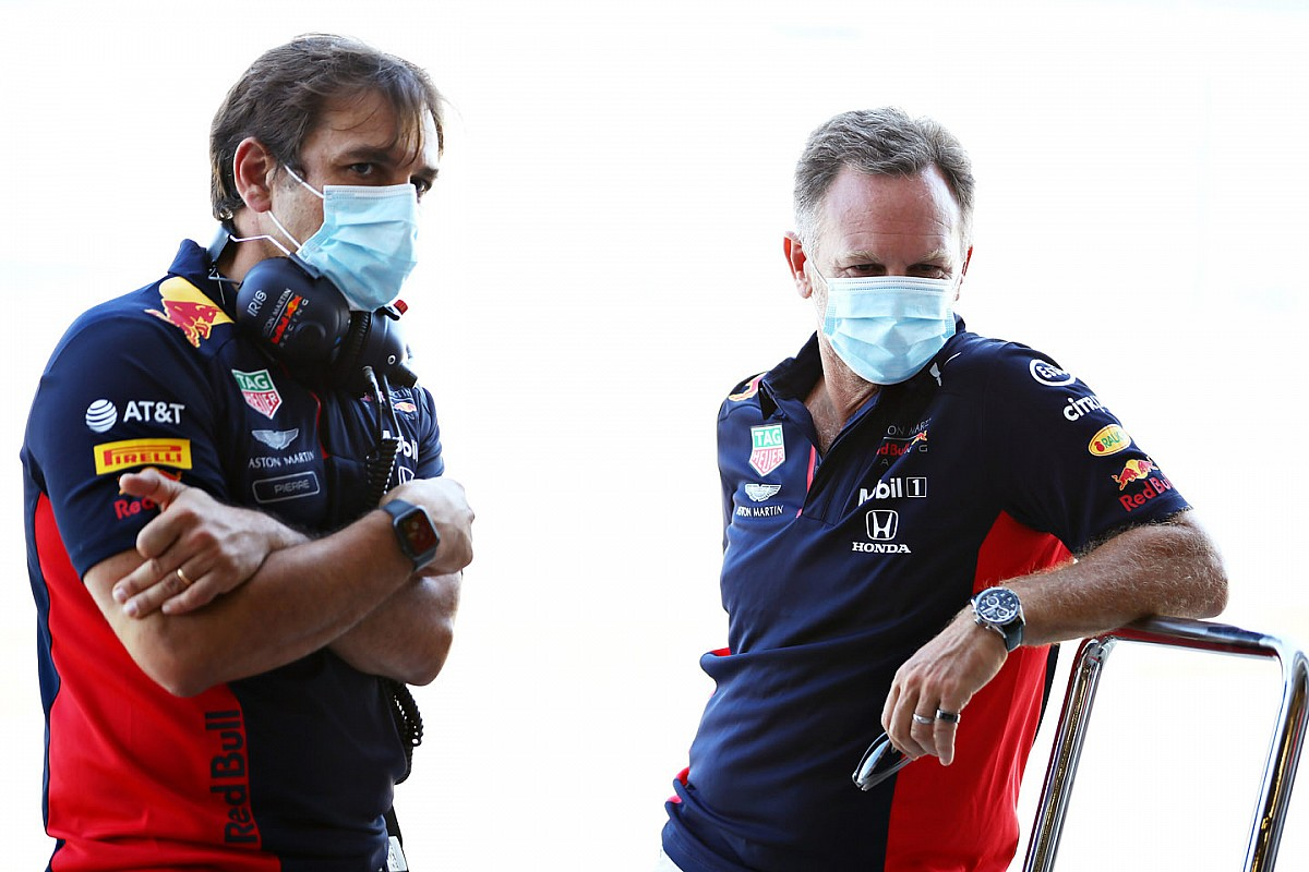 Red Bull и Honda назначили срочную встречу в Сильверстоуне